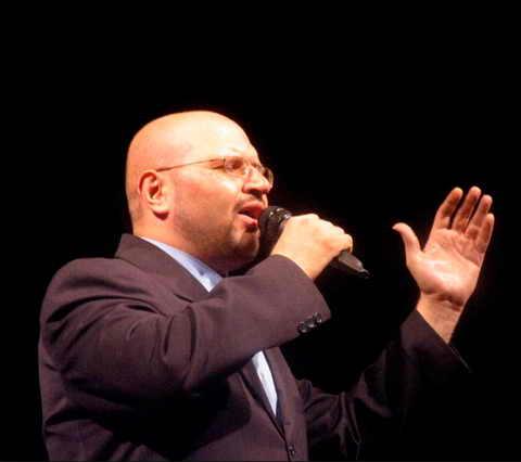 tfh دانلود آهنگ شیشه و سنگ محمد حشمتی